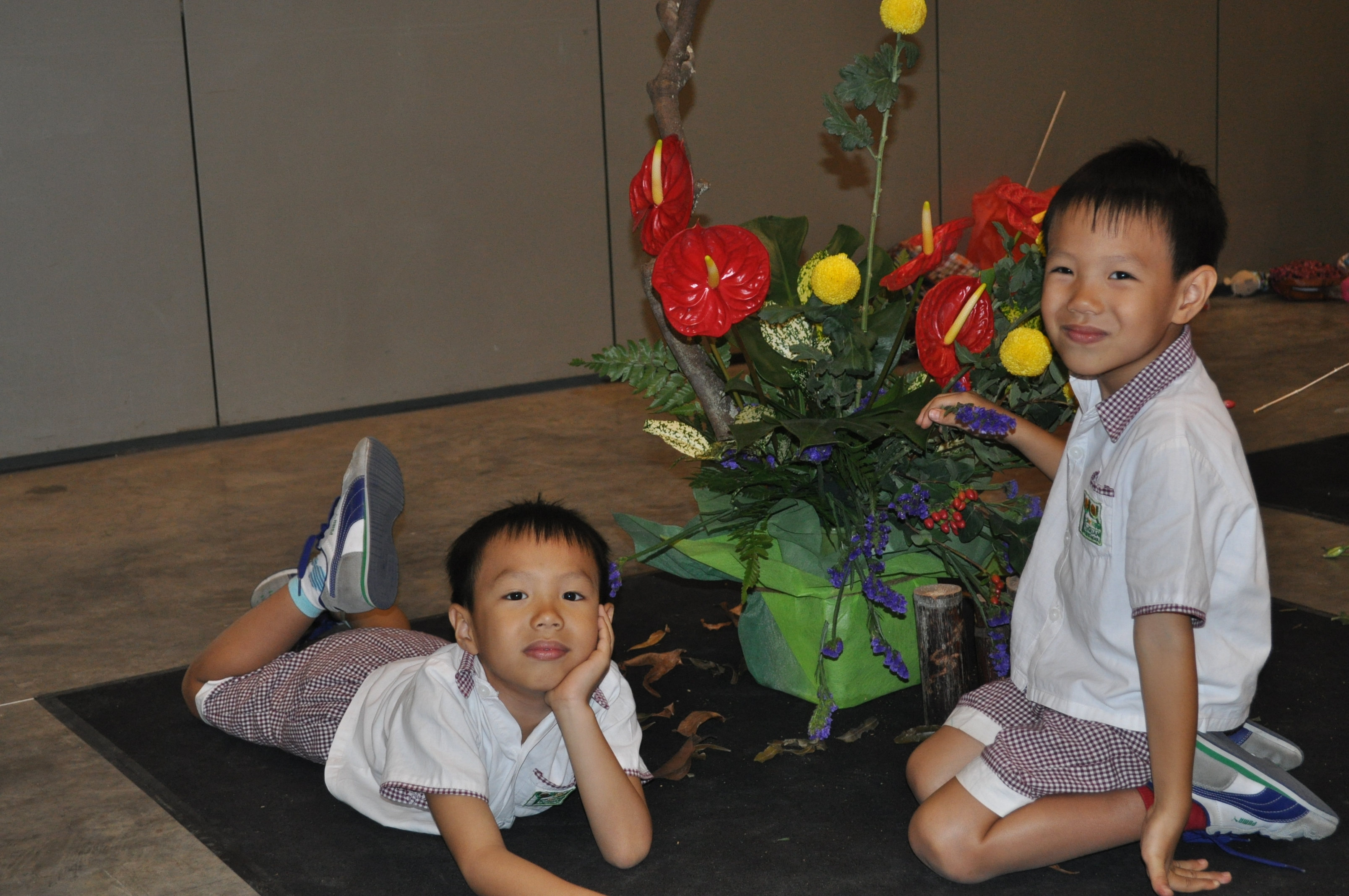 Twin 6-year-old Floral-Arranging Geniuses