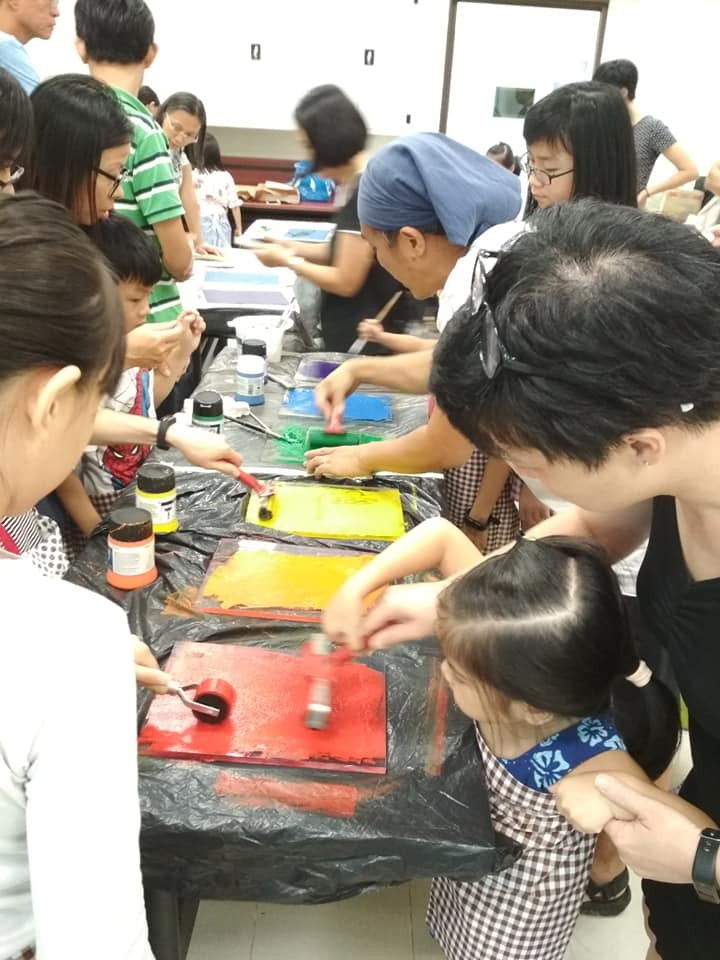 kids doing print art