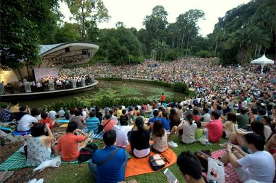 Concert at Shaw Foundation Symphony Stage with crowd at the Palm Valley.