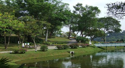 Chestnut Nature Park Car Park