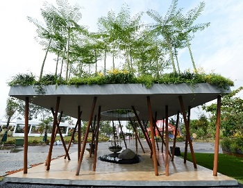 Best Of Show Winners From SGF 2014 (Clockwise From Top Left: Michael Petrie  (US) With Green Forest Landscape Pte Ltd, Andrew Wilson U0026 Gavin McWilliam  (UK) ...