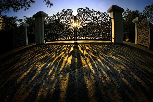 Kwan Sai Hoe – 'Tanglin Gate at Singapore Botanic Gardens'